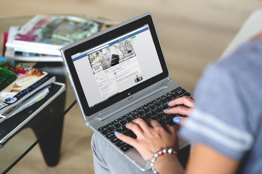 5 MISTAKES YOU'RE MAKING WITH SOCIAL MEDIA