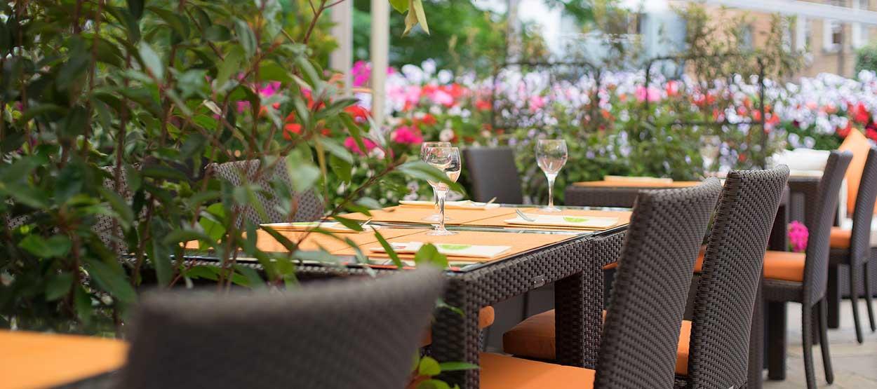 Jumeirah Lowndes Hotel review jumeirah lowndes hotel london ideal magazine jumeirah lowndes hotel restaurants terrace 18 hero sisterspd