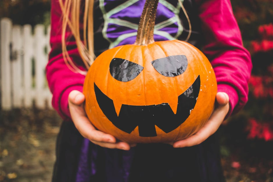 Ideal Tips Child Safe Alternative Pumpkin Decorating Ideas Ideal - Use-pumpkins-to-decorate-your-house-for-halloween