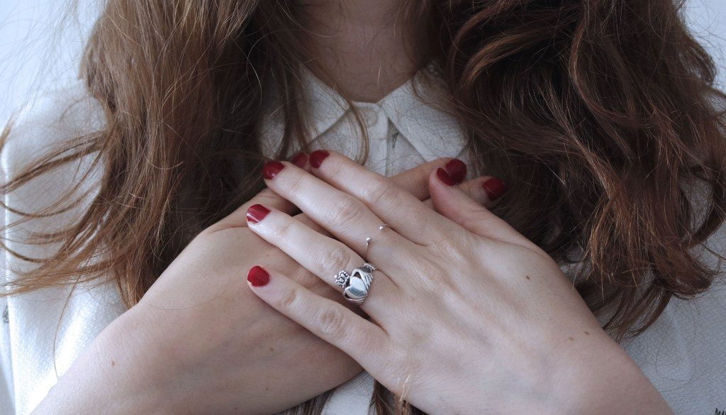 6 Ideal Reasons To Give A Promise Ring To Someone You Love Ideal Magazine